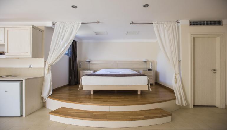 169€ από 338€ ( Έκπτωση 50%) KAI για τις 4 ημέρες / 3 διανυκτερεύσεις ΚΑΙ για τα 2 Άτομα ΚΑΙ ένα Παιδί έως 10 ετών στη Χίο, σε δίκλινο δωμάτιο με Πρωινό στο Almiriki Hotel! Παρέχεται Early check in και Late check out κατόπιν διαθεσιμότητας για να απολαύσετε 4 ημέρες! Υπάρχει δυνατότητα επιπλέον διανυκτερεύσεων! Η προσφορά ισχύει ΚΑΙ για του Αγίου Πνεύματος! εικόνα