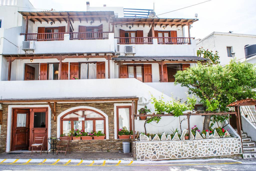 Amorani Studios - Μπατσί, Άνδρος ✦ -10% ✦ 4 Ημέρες (3 Διανυκτερεύσεις) ✦ 2 άτομα ✦ Χωρίς Πρωινό ✦ έως 28/05/2021 και 20/09/2021 έως 20/10/2021 ✦ Μπροστά στην Παραλία!