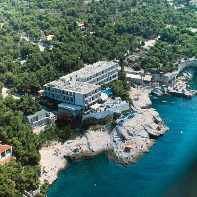 Apollo Hotel – Αιγινα ✦ 2 Ημερες (1 Διανυκτερευση) ✦ 2 Άτομα ΚΑΙ ενα Παιδι εως 12 ετων ✦ Πρωινο ✦ Έως 10/07/2018 και 01/09 εως 30/09 ✦ Early check in και Late check out κατοπιν διαθεσιμοτητας!
