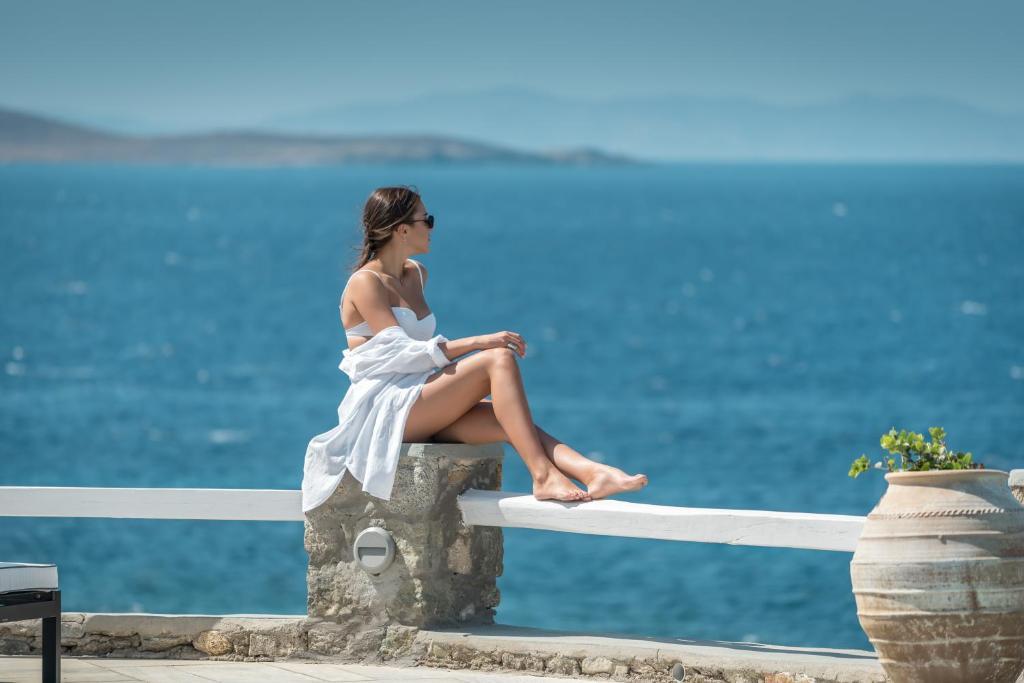 4* Apollo Resort - Αίγινα ✦ 2 Ημέρες (1 Διανυκτέρευση) ✦ 2 άτομα + 1 παιδί έως 11 ετών ✦ Πρωινό ✦ έως 31/08/2021 ✦ Κοντά στη παραλία!