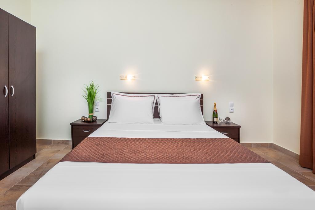 Belohorizonte Fine Accommodation - Σκάλα Φούρκας, Χαλκιδική ✦ -25% ✦ 2 Ημέρες (1 Διανυκτέρευση) ✦ 2 άτομα ✦ Χωρίς Πρωινό ✦ 31/08/2020 έως 19/09/2020 ✦ Κοντά στην Παραλία!