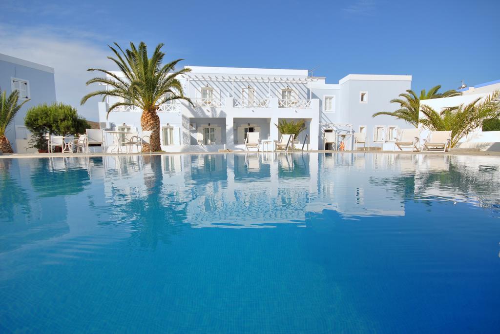 Benois Hotel - Σύρος ✦ 4 Ημέρες (3 Διανυκτερεύσεις) ✦ 2 άτομα+ 2 παιδιά έως 12 ετών ✦ Πρωινό ✦ 14/09/2020 έως 30/09/2020 ✦ Κοντά στην παραλία!