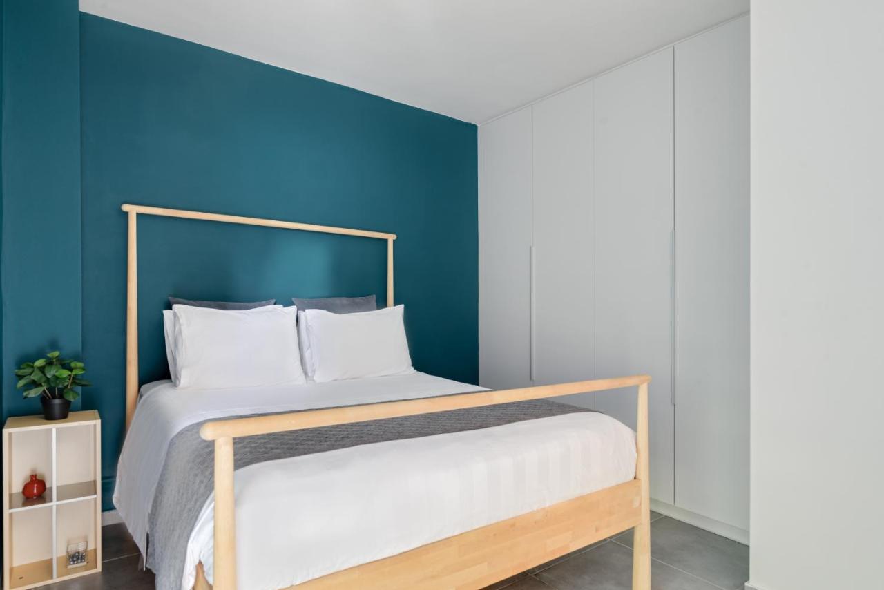 Athenian Stylish Living by Bill & John Apartments Athens - Αθήνα ✦ 3 Ημέρες (2 Διανυκτερεύσεις) ✦ 2 άτομα ✦ Χωρίς Πρωινό ✦ έως 11/09/2021 ✦ Κοντά στην Ακρόπολη!