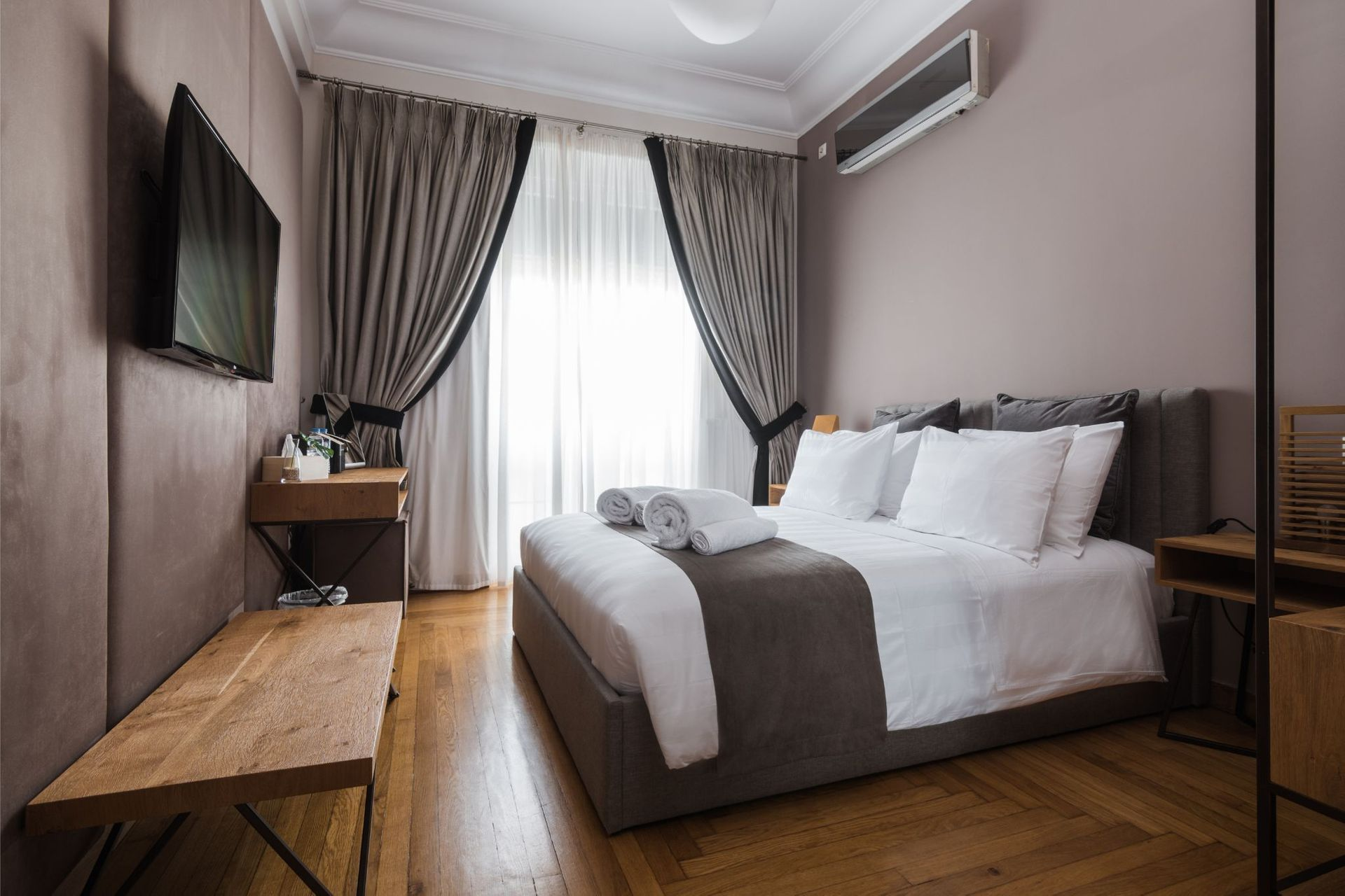 Acropolis Elegant Residence by Bill & John Apartments Athens - Αθήνα ✦ 2 Ημέρες (1 Διανυκτέρευση) ✦ 2 άτομα ✦ Χωρίς Πρωινό ✦ έως 11/09/2021 ✦ Κοντά στο κέντρο της πόλης!