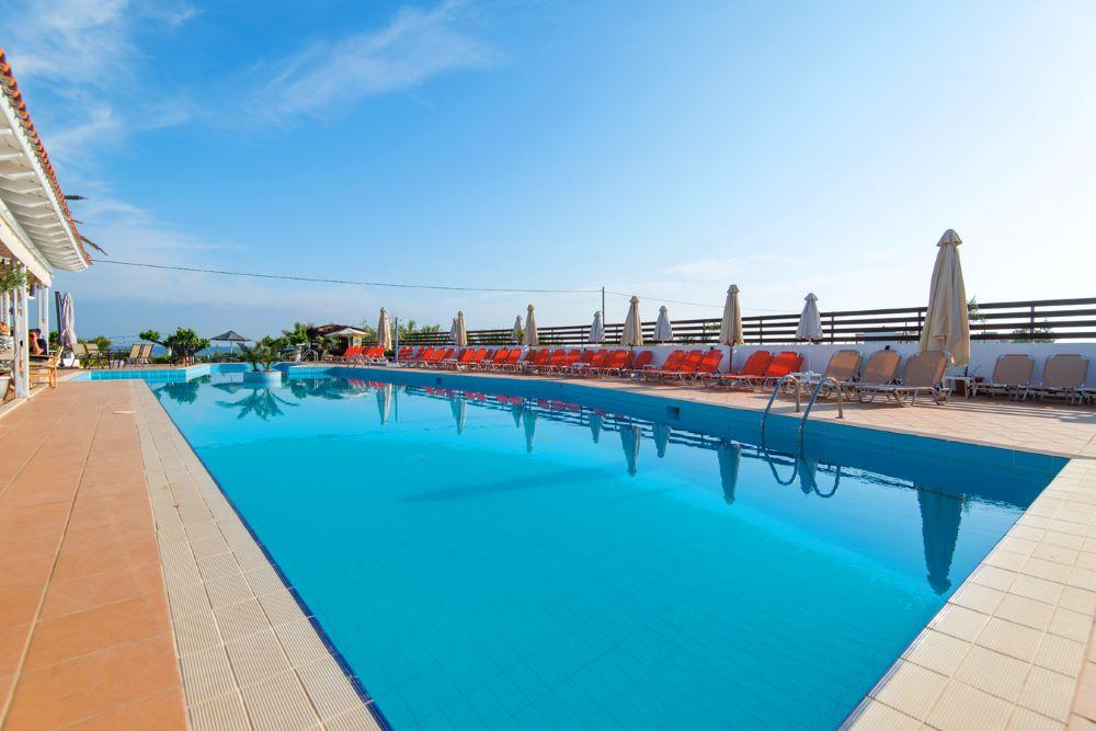 Bomo Amnissos Residence - Ρέθυμνο ✦ 4 Ημέρες (3 Διανυκτερεύσεις) ✦ 2 άτομα + 1 παιδί έως 12 ετών ✦ All Inclusive ✦ έως 22/09/2020 ✦ Μπροστά στην Παραλία!