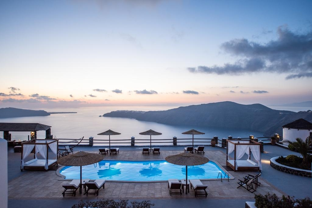 4* Caldera's Memories Santorini – Σαντορινη ✦ -21% ✦ 2 Ημερες (1 Διανυκτερευση) ✦ 2 Άτομα ✦ Πρωινο ✦ 01/05/2019 εως 30/06/2019 ✦ Early check in και Late check out κατοπιν διαθεσιμοτητας!