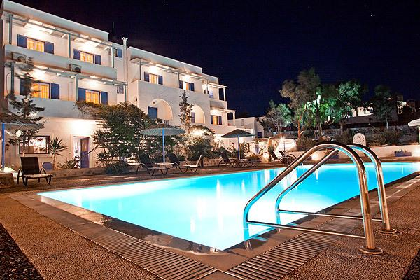 Caldera Romantica Hotel - Ακρωτήρι, Σαντορίνη ✦ 2 Ημέρες (1 Διανυκτέρευση) ✦ 2 άτομα ✦ Πρωινό ✦ 01/07/2021 έως 31/08/2021 ✦ Υπέροχη Τοποθεσία!