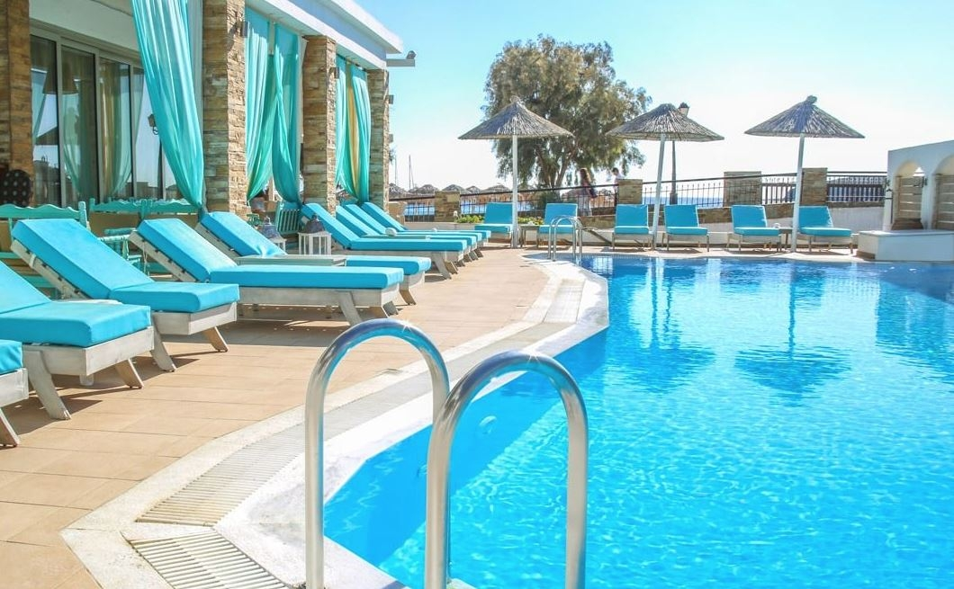 Chryssi Akti Hotel - Μπατσί, Άνδρος ✦ -21% ✦ 3 Ημέρες (2 Διανυκτερεύσεις) ✦ 2 άτομα ✦ Πρωινό ✦ 23/08/2021 έως 30/09/2021 ✦ Early check in και Late check out κατόπιν διαθεσιμότητας!