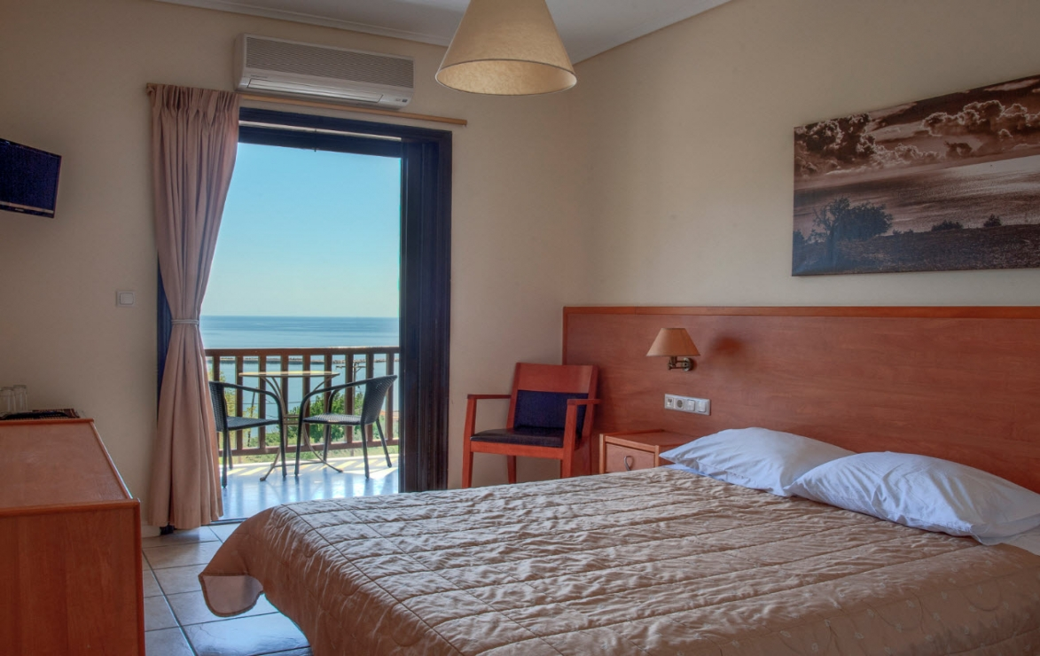Corali Hotel - Κύμη Ευβοίας ? -29% ? 5 Ημέρες (4 Διανυκτερεύσεις) ? 2 Άτομα ΚΑΙ ένα Παιδί έως 5 ετών ? Πρωινό ? 09/08/2018 έως 18/08/2018 ? Early check in στις 10:00 και Late check out στις 17:00!
