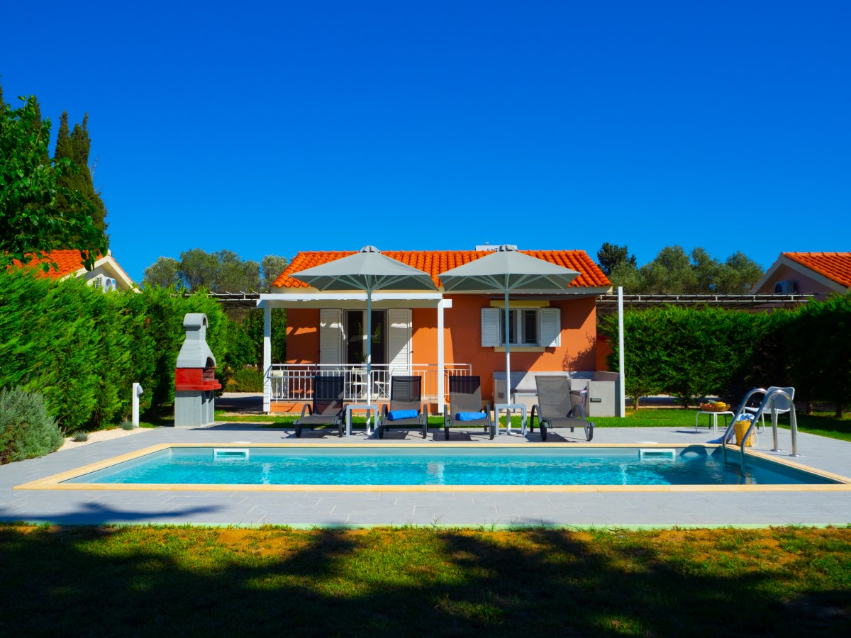Cypress Garden Villas - Κεφαλονιά ✦ -12% ✦ 4 Ημέρες (3 Διανυκτερεύσεις) ✦ 2 άτομα ✦ Χωρίς Πρωινό ✦ 01/08/2021 έως 31/08/2021 ✦ Κοντά στην παραλία!