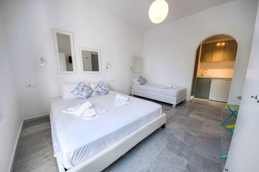 Depis Suites & Apartments - Νάξος ✦ -25% ✦ 3 Ημέρες (2 Διανυκτερεύσεις) ✦ 5 Άτομ hotels