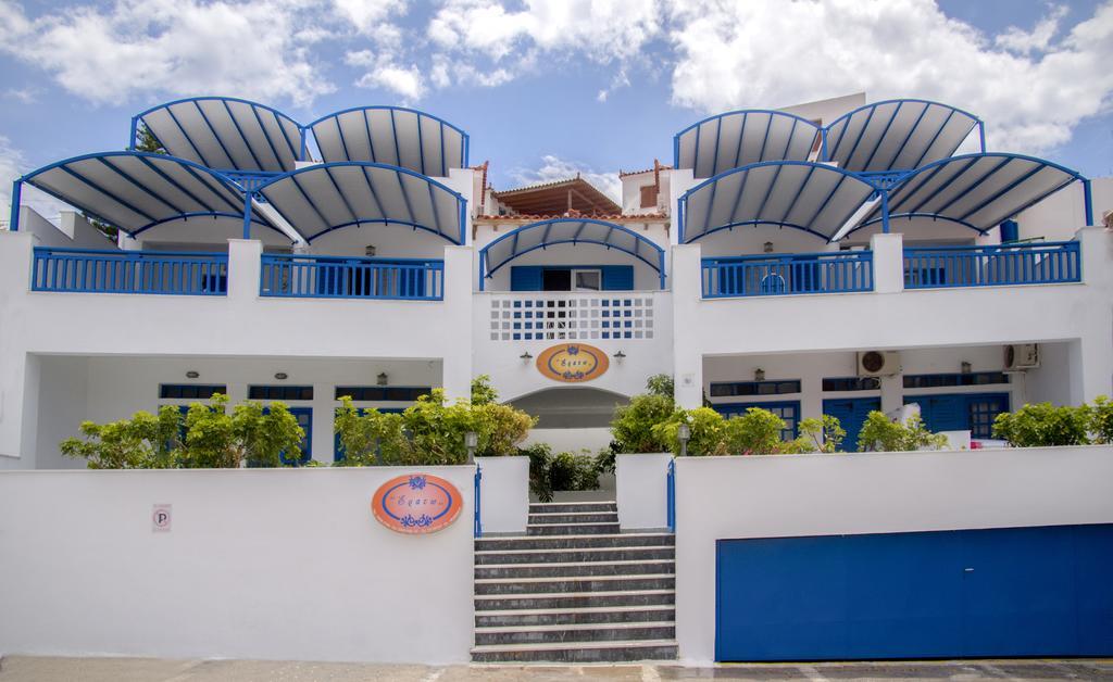 Erato Apartments - Μπατσί, Άνδρος ✦ 3 Ημέρες (2 Διανυκτερεύσεις) ✦ 2 άτομα ✦ Πρωινό ✦ έως 30/06/2021 ✦ Κοντά στην παραλία!