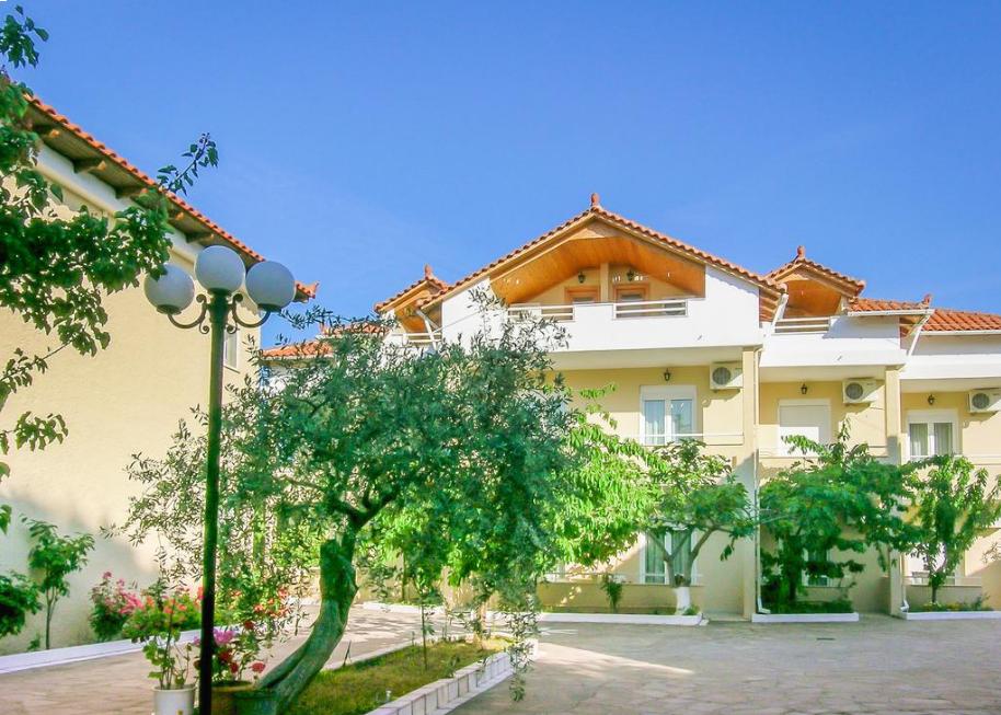 Filippos Hotel - Θάσος, Σκάλα Ραχωνίου   -30%   5 Ημέρες (4 Διανυκτερεύσεις)   2 Άτομα ΚΑΙ ένα Παιδί έως 2 ετών   Ημιδιατροφή   16/07/2019 έως 20/08/2019   Κοντά στην Παραλία!