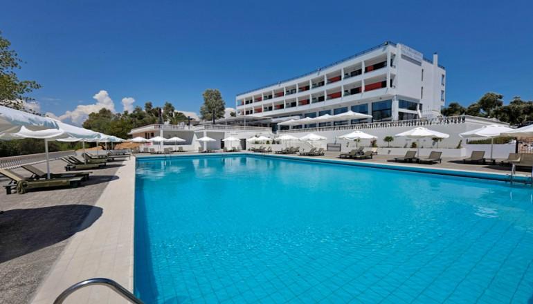 229€ από 458€ ( Έκπτωση 50%) ΚΑΙ για τις 4 ημέρες / 3 διανυκτερεύσεις ΚΑΙ για τα 2 Άτομα ΚΑΙ ένα Παιδί έως 12 ετών με Ημιδιατροφή (Πρωινό και Βραδινό), στο Margarona Royal Hotel του Ομίλου Amalia Hotels στην Πρέβεζα, σε δίκλινο δωμάτιο! Παρέχεται Early check in και Late Check out κατόπιν διαθεσιμότητας! Υπάρχει δυνατότητα επιπλέον διανυκτερεύσεων! εικόνα