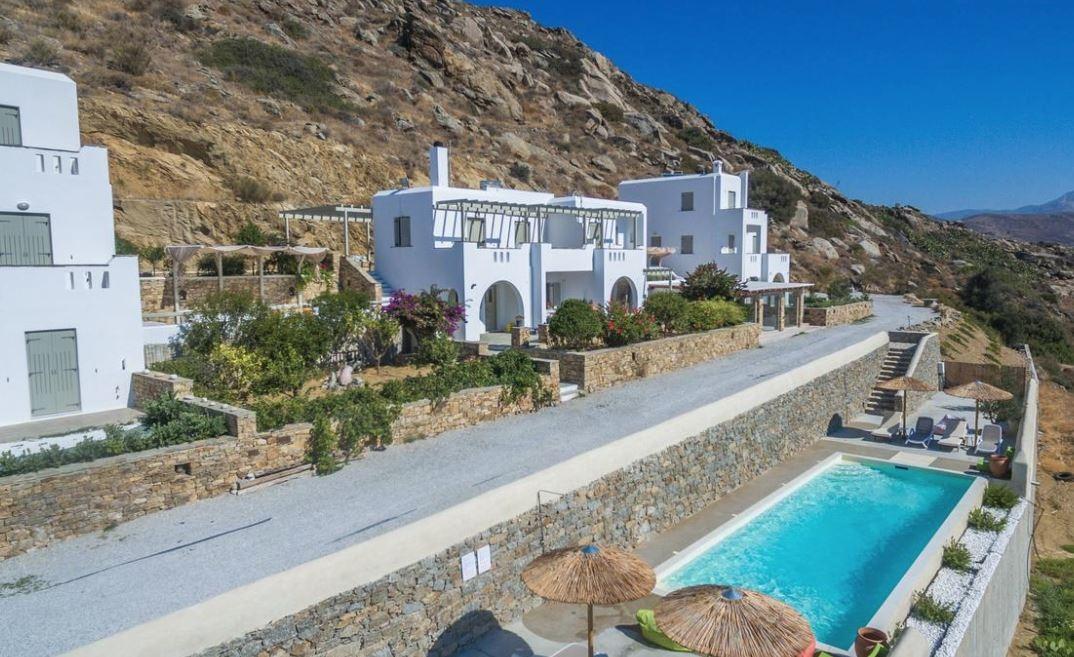 Halcyon Villas Naxos - Νάξος, Άγιος Ισίδωρος   4 Ημέρες (3 Διανυκτερεύσεις)   2 άτομα + 1 παιδί έως 3 ετών   Πρωινό   01/09/2019 έως 30/09/2019   Υπέροχη τοποθεσία!