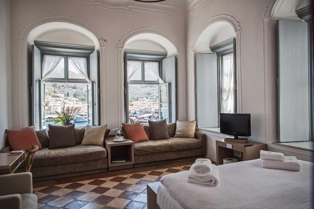 5* Hydrea Hotel - Ύδρα ✦ 3 Ημέρες (2 Διανυκτερεύσεις) ✦ 2 άτομα ✦ Πρωινό ✦ 06/09/2020 έως 30/09/2020 ✦ Υπέροχη Τοποθεσία!