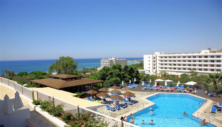 194€ απο 242€ ( Έκπτωση 20%) ΚΑΙ για τις 3 ημερες / 2 διανυκτερευσεις ΚΑΙ για τα 2 Άτομα KAI ενα Παιδι εως 12 ετων με Ημιδιατροφη (Πρωινο και Βραδινο σε Μπουφε) στην Αγια Ναπα της Κυπρου, σε δικλινο δωματιο στο Bella Napa Bay Hotel, μια ανασα απο το Κυμα! Υπαρχει δυνατοτητα επιπλεον διανυκτερευσης!
