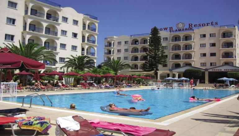 ALL INCLUSIVE στον Πρωταρα της Κυπρου στο Crown Resorts Elamaris ΚΑΙ για τις 3 ημερες / 2 διανυκτερευσεις ΚΑΙ για τα 3 Άτομα σε Studio, μονο με 350€ απο 413€ ( Έκπτωση 15%)! Προσφερονται Πρωινο, Μεσημεριανο και Βραδινο σε Μπουφε, διαφορα ζεστα και κρυα Σνακς και Παγωτο! Απεριοριστη καταναλωση σε Αλκοολουχα και μη ποτα, οπως Κρασι, Μπυρα, Αναψυκτικα, Χυμους, Νερο, Καφεδες, Τσαι κατα την διαρκεια της ημερας! Υπαρχει δυνατοτητα επιπλεον δι…