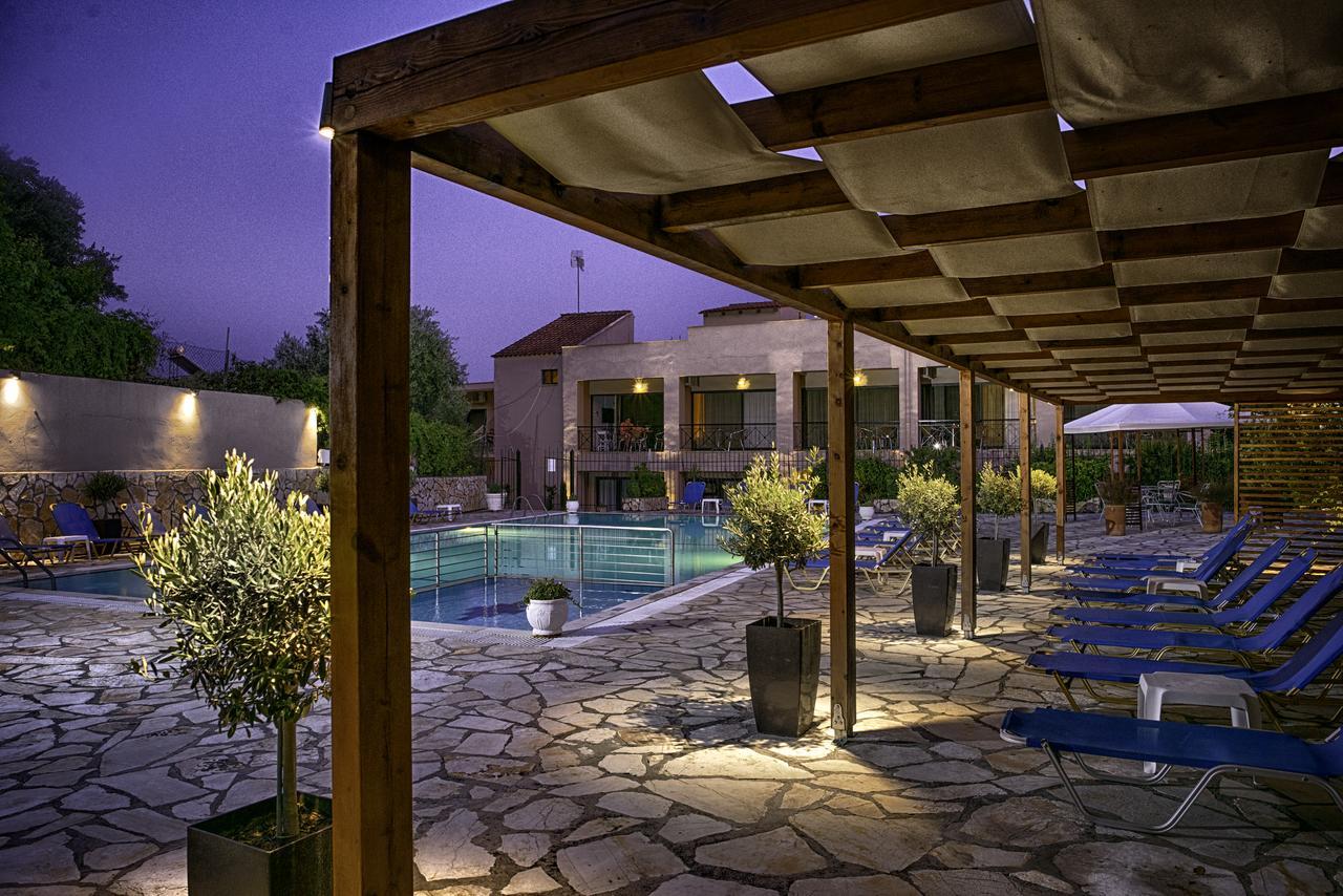 Ipsos Holidays Resort - Κερκυρα ✦ 3 Ημερες (2 Διανυκτερευσεις) ✦ 2 ατομα ✦ Χωρις Πρωινο ✦ 01/07/2020 εως 18/07/2020 ✦ Κοντα στην παραλια!