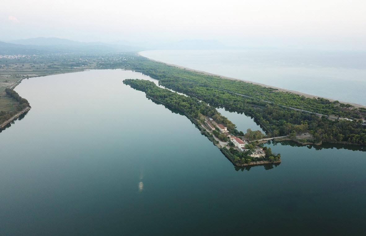 Kaiafas Lake Hotel - Καϊάφας Ηλείας ✦ -20% ✦ 3 Ημέρες (2 Διανυκτερεύσεις) ✦ 2 άτομα + 1 παιδί έως 7 ετών ✦ Ημιδιατροφή ✦ 01/07/2021 έως 31/07/2021 ✦ Υπέροχη Τοποθεσία!