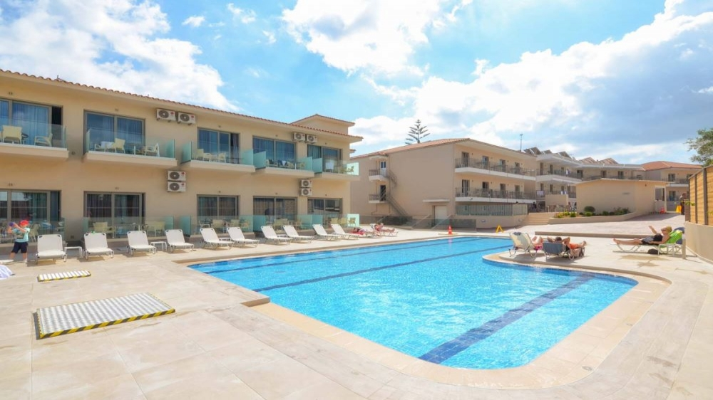 4* Karras Grande Resort Zakynthos - Ζάκυνθος   2 Ημέρες (1 Διανυκτέρευση)   2 άτομα   All Inclusive   έως 31/07/2019   Ξαπλώστρες & Ομπρέλες Πισίνας