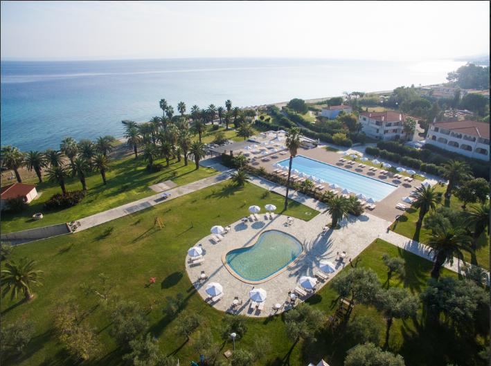 5* Kassandra Palace Hotel & Spa - Χαλκιδικη ✦ -30% ✦ 3 Ημερες (2 Διανυκτερευσεις) ✦ 2 ατομα + 1 παιδι εως 2 ετων ✦ Ημιδιατροφη ✦ Πρωτομαγια (01/05/2020 εως 04/05/2020) ✦ Μπροστα στην Παραλια!