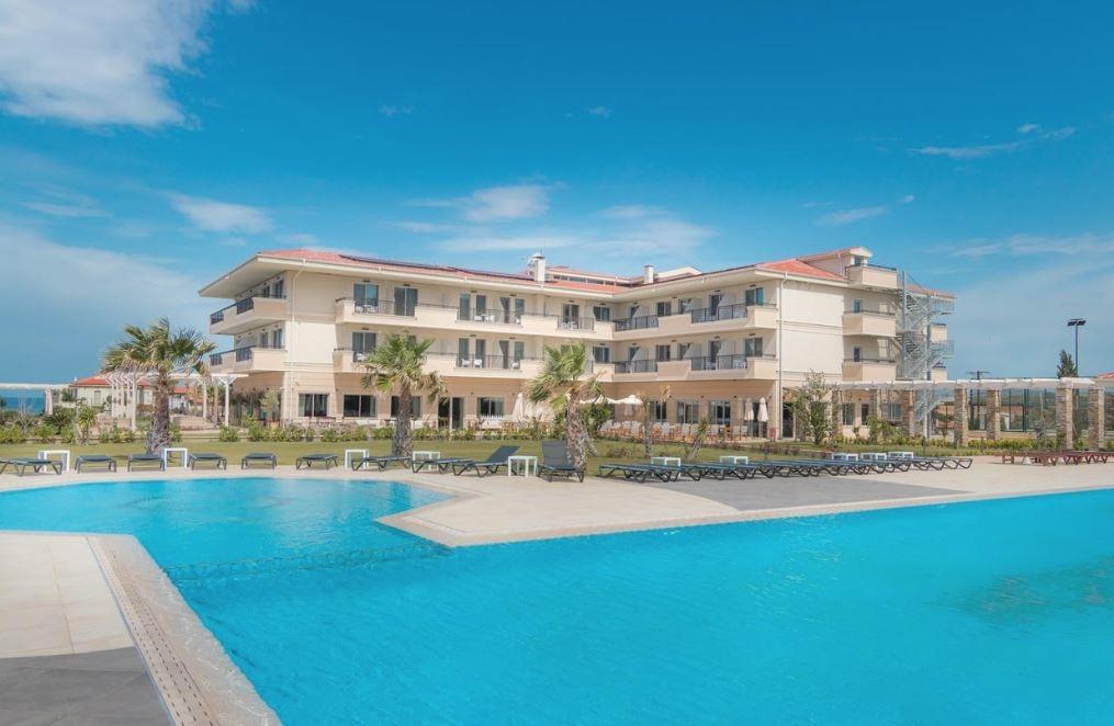King Maron Hotel - Μαρώνεια, Ροδόπη ✦ -18% ✦ 2 Ημέρες (1 Διανυκτέρευση) ✦ 2 άτομα ✦ Πρωινό ✦ 01/07/2021 έως 31/08/2021 ✦ Υπέροχη Τοποθεσία!