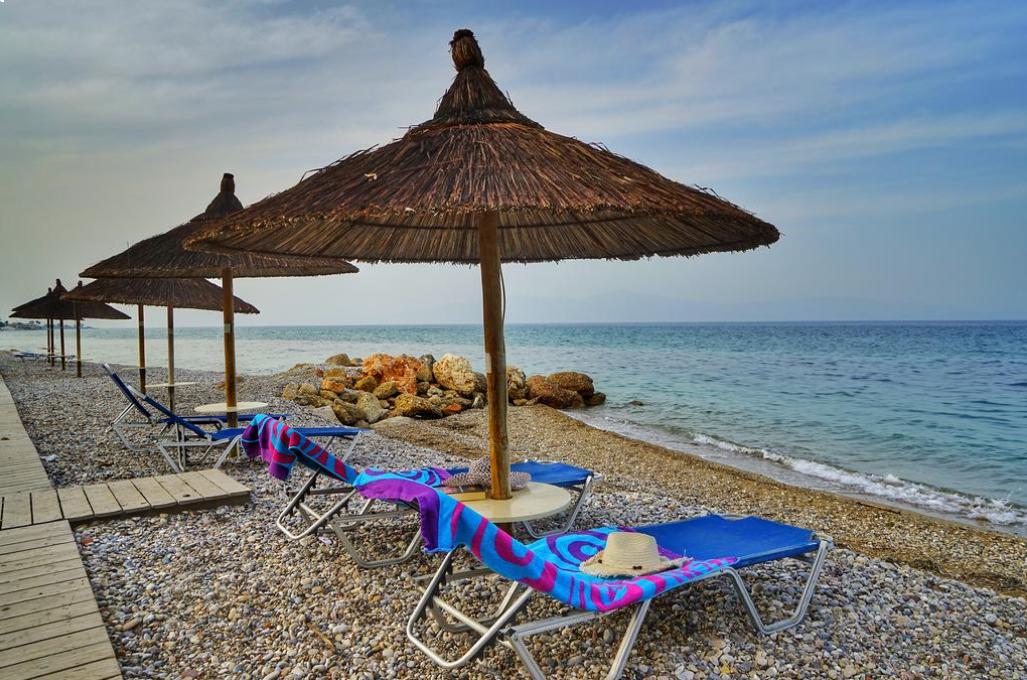 Kokkoni Beach Hotel - Κοκκώνι Κορινθίας ✦ -30% ✦ 4 Ημέρες (3 Διανυκτερεύσεις) ✦ 2 άτομα + 1 παιδί έως 12 ετών ✦ Ημιδιατροφή ✦ 01/08/2021 έως 31/08/2021 ✦ Μπροστά στην Παραλία!