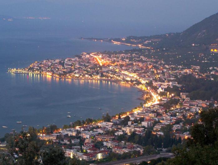 Kypreos Hotel - Καμένα Βούρλα ✦ -30% ✦ 3 Ημέρες (2 Διανυκτερεύσεις) ✦ 2 άτομα + 1 παιδί έως 12 ετών ✦ Ημιδιατροφή ✦ 11/07/2021 έως 25/08/2021 ✦ Μπροστά στην παραλία!