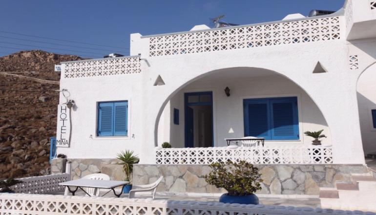 Αποδράστε στη Μύκονο στο Mina Beach Hotel για 5 ημέρες / 4 διανυκτερεύσεις KAI για τα 2 Άτομα με Πρωινό σε δίκλινο δωμάτιο! Απολαύστε 5 ημέρες στο νησί των ανέμων! Υπάρχει δυνατότητα επιπλέον διανυκτερεύσεων! εικόνα