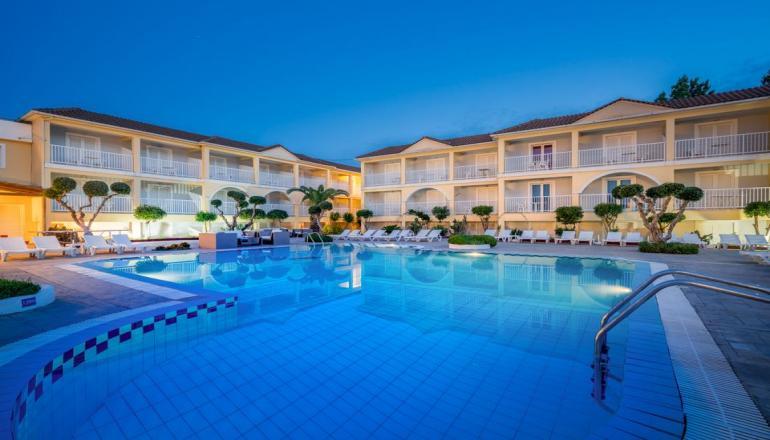 ALL INCLUSIVE στην Ζακυνθο στο 4 αστερων Filoxenia Hotel ΚΑΙ για τις 4 ημερες / 3 διανυκτερευσεις ΚΑΙ για τα 2 Άτομα σε δικλινο δωματιο! Παρεχεται Πρωινο, Μεσημεριανο και Βραδινο σε Μπουφε, Απεριοριστη Καταναλωση σε Αναψυκτικα, Κρασι, Μπυρα, Ουζο, Βοτκα, Μπραντι, Καφε Φιλτρου, Τσαι, Γαλα, Snacks και Παγωτο! Υπαρχει δυνατοτητα επιπλεον διανυκτερευσης!