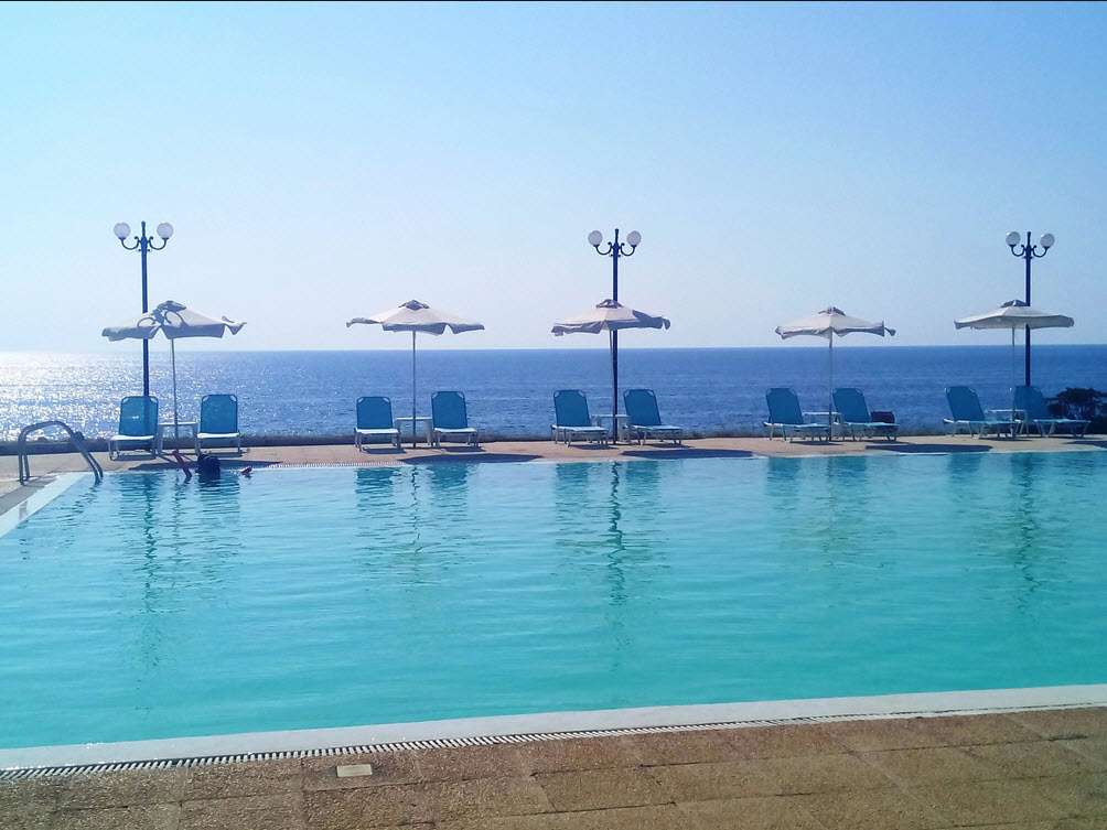 Limenari Hotel - Φιλιατρά Μεσσηνίας ✦ -36% ✦ 4 Ημέρες (3 Διανυκτερεύσεις) ✦ 2 άτομα + 1 παιδί έως 5 ετών ✦ Ημιδιατροφή ✦ 01/08/2021 έως 21/08/2021 ✦ Μπροστά στην Παραλία!