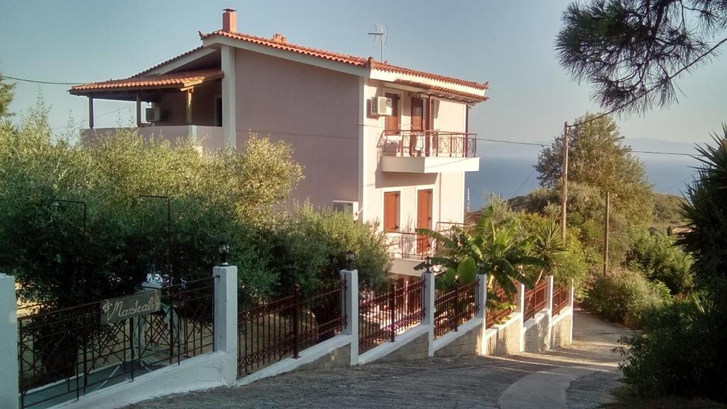 Maistrali Apartments – Κεφαλονια ✦ 4 Ημερες (3 Διανυκτερευσεις) ✦ 2 Άτομα ✦ Χωρις Πρωϊνο ✦ 23/07/2018 εως 19/08/2018 ✦ Free WiFi