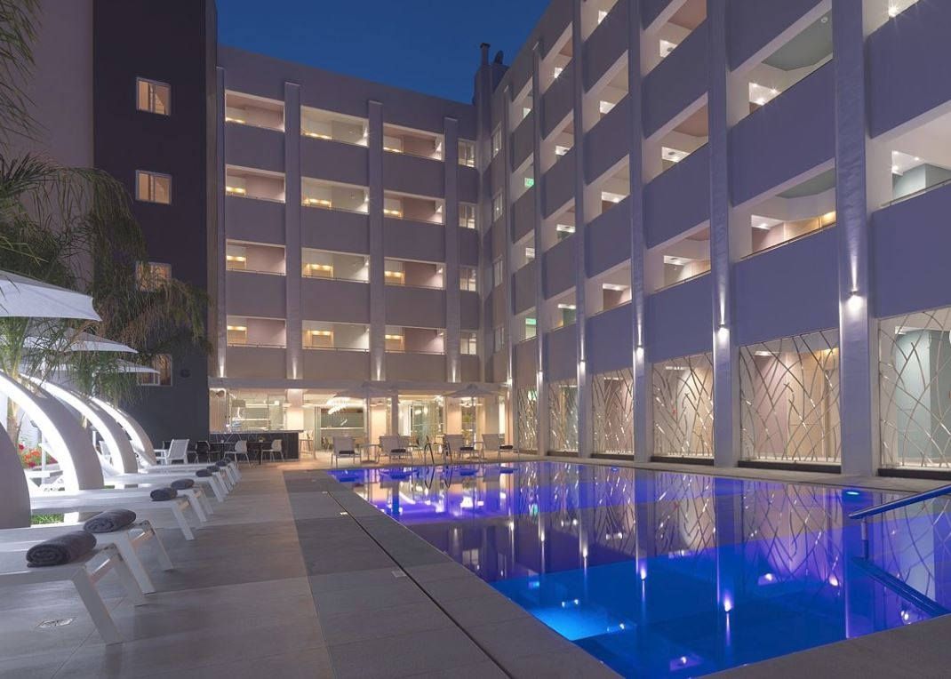 4* Melrose Hotel Rethymno - Ρέθυμνο   2 Ημέρες (1 Διανυκτέρευση)   2 Άτομα   Πρωινό   01/09/2019 έως 30/09/2019   70 μ. από την παραλία!