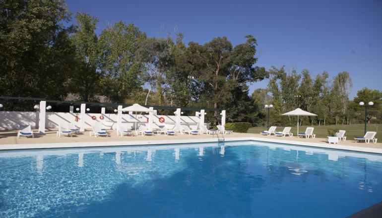 Αγίου Πνεύματος στην Αρχαία Ολυμπία, στο 4 αστέρων Amalia Olympia Hotel! Απολαύσ hotels