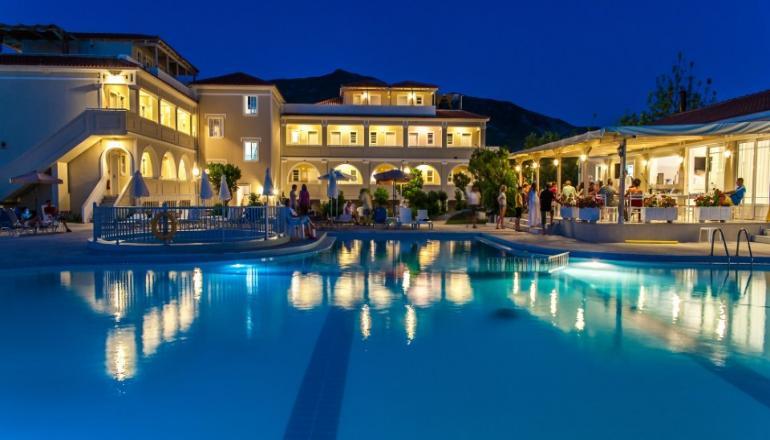 ALL INCLUSIVE στο 4 αστερων Klelia Beach Hotel ΚΑΙ για τις 3 ημερες / 2 διανυκτερευσεις KAI για τα 2 Άτομα σε Superior δικλινο δωματιο, στη Ζακυνθο, μονο με 189€ απο 378€ ( Έκπτωση 50%)! Παρεχεται Πρωινο, Μεσημεριανο και Βραδινο, Snacks, Απεριοριστη Καταναλωση σε Αλκοολουχα και μη ποτα καθε ειδους (Whisky, Gin, Vodka, Tequila, Rum, Brandy, Liquers, Ουζο, βαρελισια μπυρα και κρασι), Ζεστα ροφηματα (καφε φιλτρου, στιγμιαιος καφες, τσαι, σ…