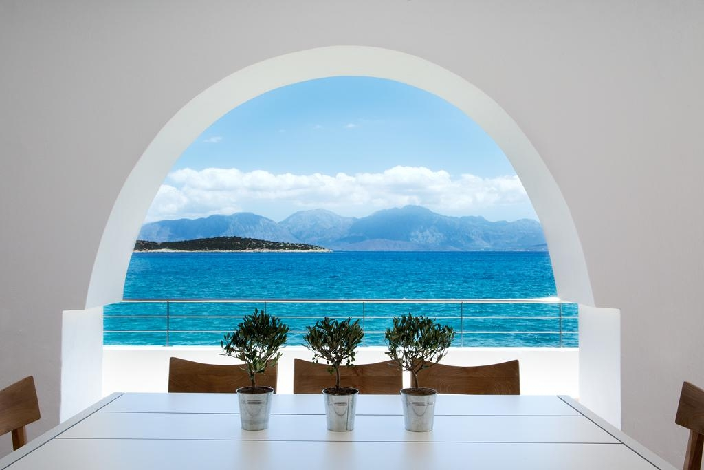MINOS BEACH art hotel - Κρήτη ? 2 Ημέρες (1 Διανυκτέρευση) ? 2 άτομα ? Πρωινό ? 26/08/2019 έως 30/09/2019 ? Καρέκλες / ξαπλώστρες παραλίας