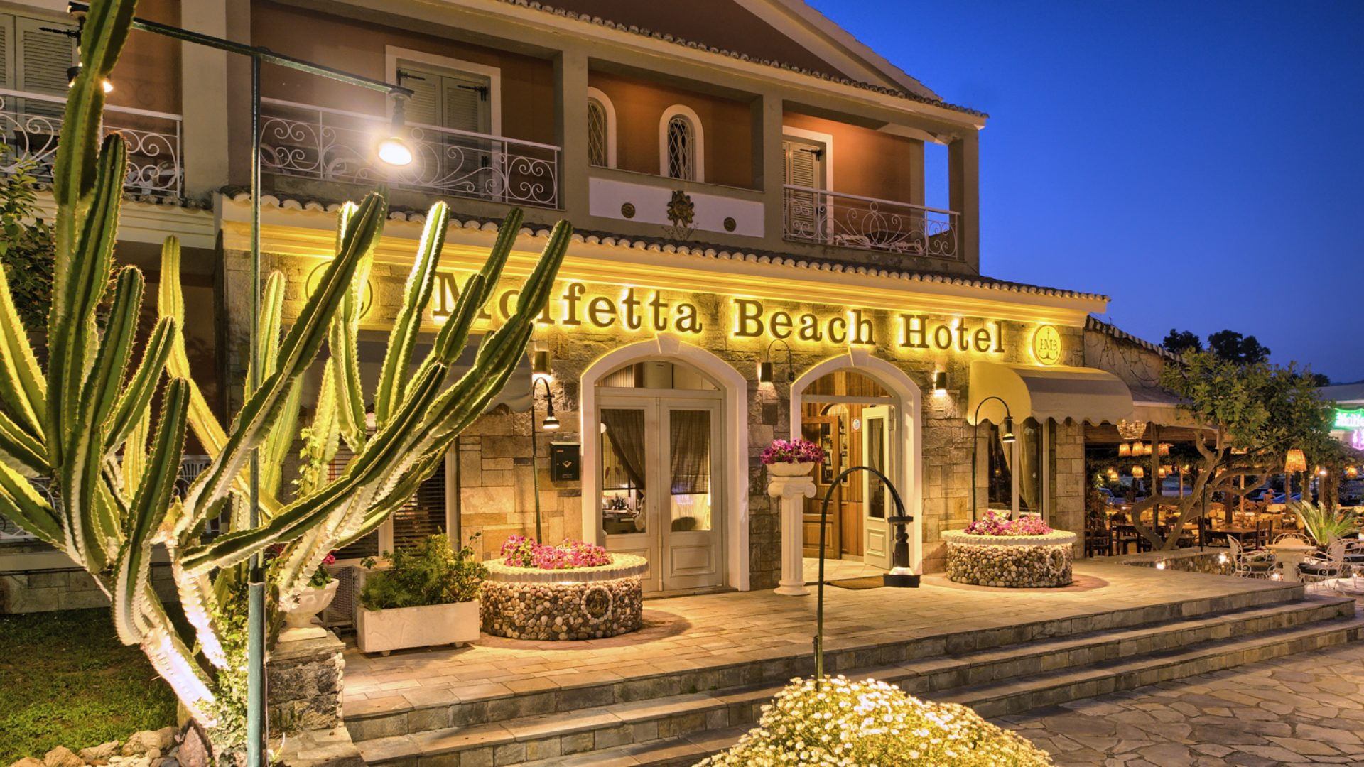 Molfetta Beach Hotel - Κερκυρα ✦ 2 Ημερες (1 Διανυκτερευση) ✦ 2 ατομα ✦ Πρωινο ✦ 01/07/2021 εως 31/08/2021 ✦ Μπροστα στην παραλια!
