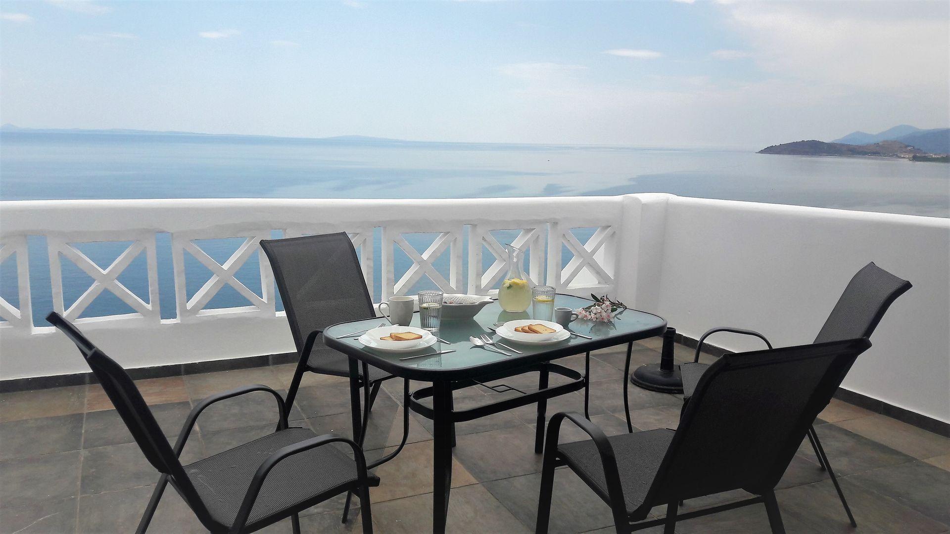 Muses SeaSide Villas - Παράλιο Άστρος, Κυνουρία ✦ 3 Ημέρες (2 Διανυκτερεύσεις) ✦ 2 άτομα + 1 παιδί έως 3 ετών ✦ Χωρίς Πρωινό ✦ 01/06/2021 έως 30/06/2021 ✦ Κοντά σε παραλία!