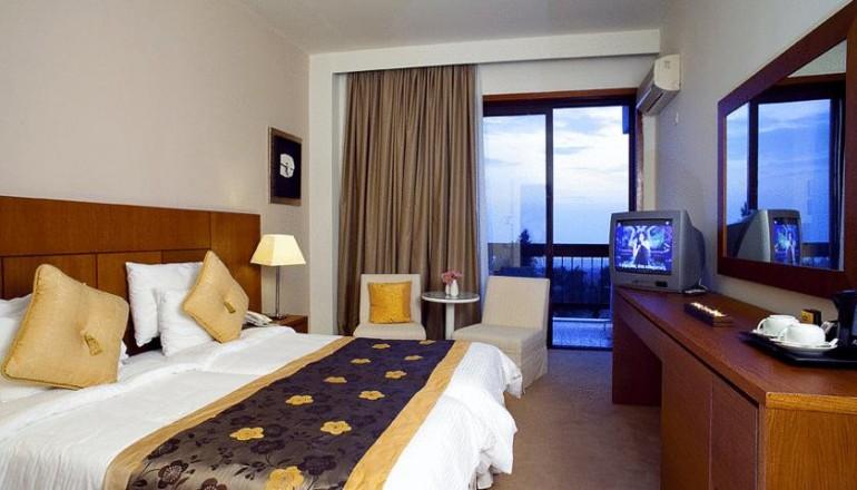 Προσφορά Ekdromi - 99€ από 248€ (Έκπτωση 60%) ΚΑΙ για τις 3 ημέρες / 2 διανυκτερεύσεις για έως ΚΑΙ 3 Άτομα στo Πανόραμα Θεσσαλονίκης, στο 4 αστέρων Nepheli Hotel σε Supe...