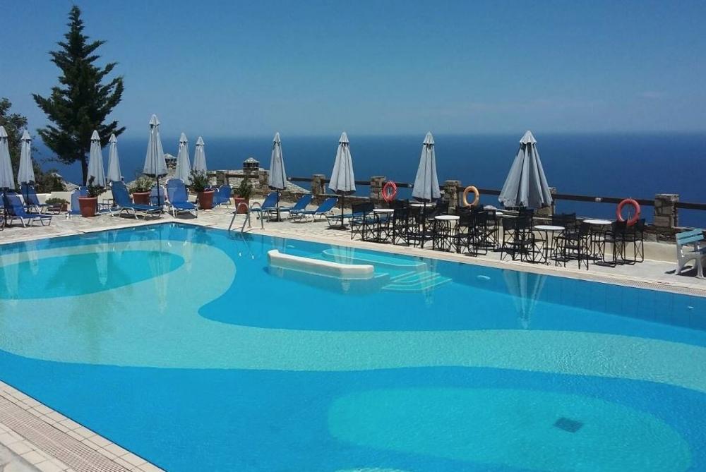 4* Pilio Holiday Club - Πήλιο ? -8% ? 3 Ημέρες (2 Διανυκτερεύσεις) ? 2 άτομα ? Πρωινό ? Αγίου Πνεύματος (05/06/2020 έως 07/06/2020) ? Ξαπλώστρες και ομπρέλες στην πισίνα