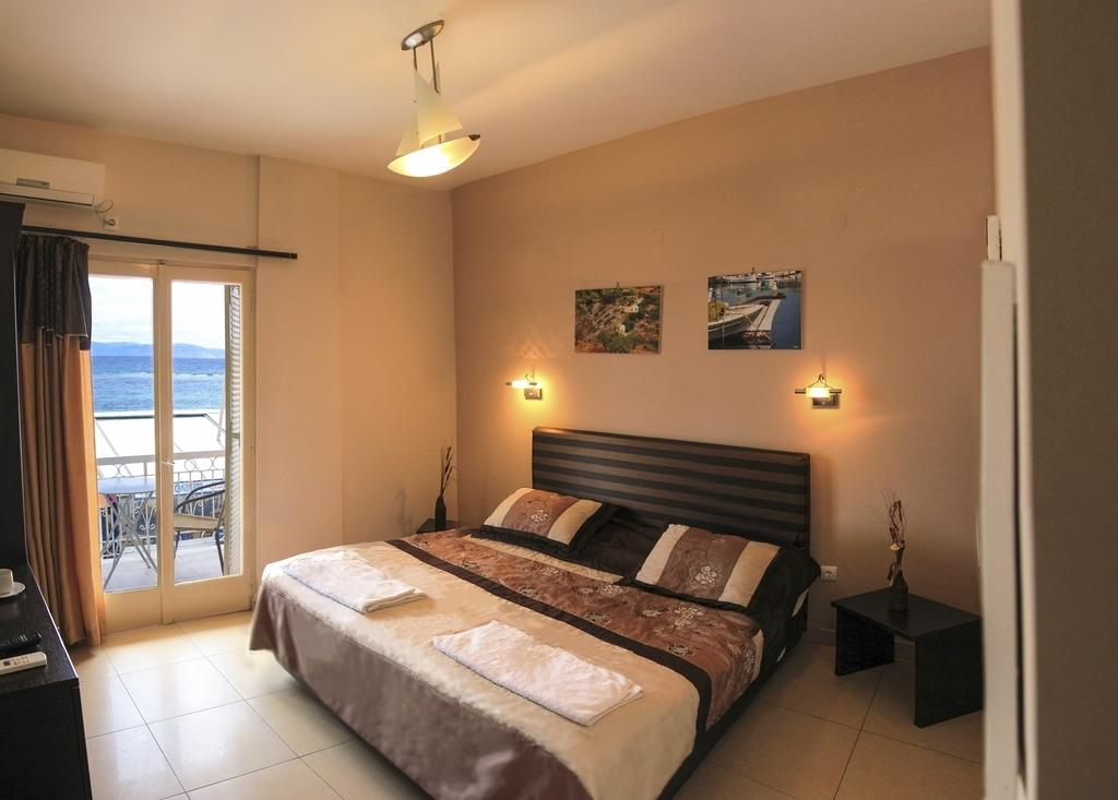 Plaza Hotel - Αίγινα ✦ -20% ✦ 2 Ημέρες (1 Διανυκτέρευση) ✦ 2 άτομα ✦ Χωρίς Πρωινό ✦ 01/05/2021 έως 31/05/2021 και 01/10/2021 έως 31/10/2021 ✦ Early check in και Late check out κατόπιν διαθεσιμότητας!