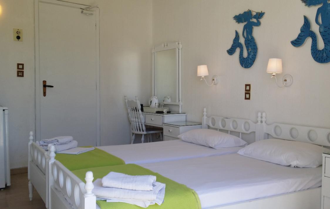Rachel Hotel - Αίγινα ✦ 2 Ημέρες (1 Διανυκτέρευση) ✦ 2 Άτομα ✦ Χωρίς Πρωινό ✦ 01/09/2021 έως 30/09/2021 ✦ Μπροστά στη θάλασσα!