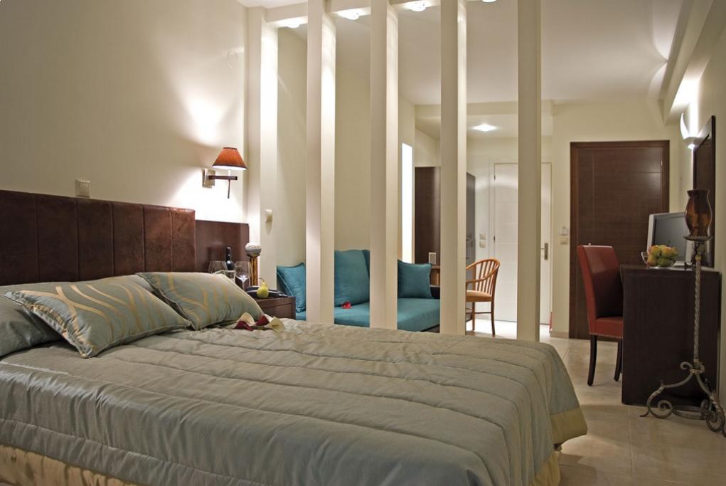 Regina Mare Hotel - Παραλία Κατερίνης ✦ -30% ✦ 3 Ημέρες (2 Διανυκτερεύσεις) ✦ 2 άτομα + 1 παιδί έως 5 ετών ✦ Πρωινό ✦ έως 30/09/2020 ✦ Κοντά στην Παραλία!