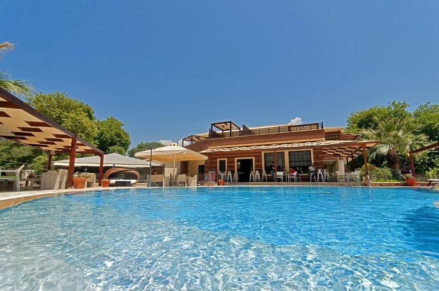 Riviera Perdika Hotel - Καραβοστάσι Πέρδικα Θεσπρωτίας ✦ ✦ 3 Ημέρες (2 Διανυκτερεύσεις) ✦ 2 Άτομα ΚΑΙ ένα Παιδί έως 6 ετών ✦ Πρωινό ✦ 09/09/2017 έως 24/09/2017 ✦ Κοντά σε παραλία! εικόνα