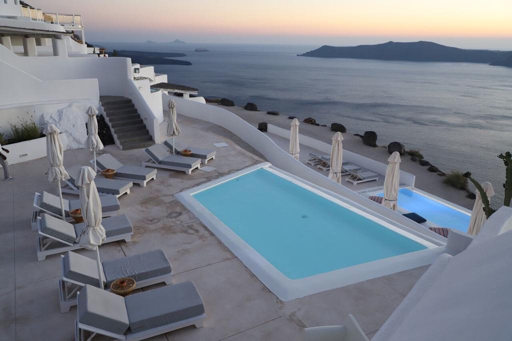 4* Rocabella Santorini Hotel & SPA - Σαντορίνη ✦ 2 Ημέρες (1 Διανυκτέρευση) ✦ 2 άτομα ✦ Πρωινό ✦ 01/07/2020 έως 30/09/2020 ✦ Free WiFi!