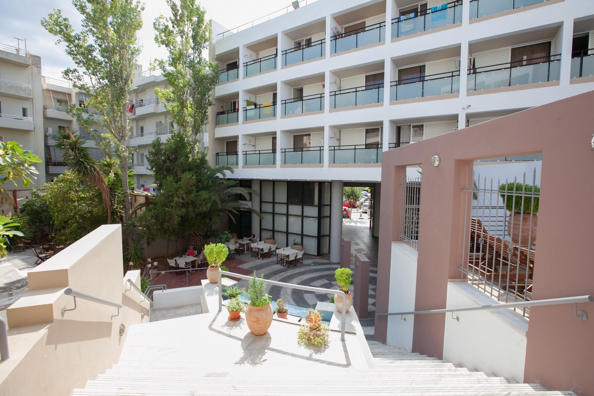 Santa Marina Hotel – Άγιος Νικολαος Κρητης ✦ 4 Ημερες (3 Διανυκτερευσεις) ✦ 2 Άτομα ✦ All Inclusive ✦ 01/07 εως 14/07 και 29/08 εως 24/09 ✦ Κοντα σε Παραλια!