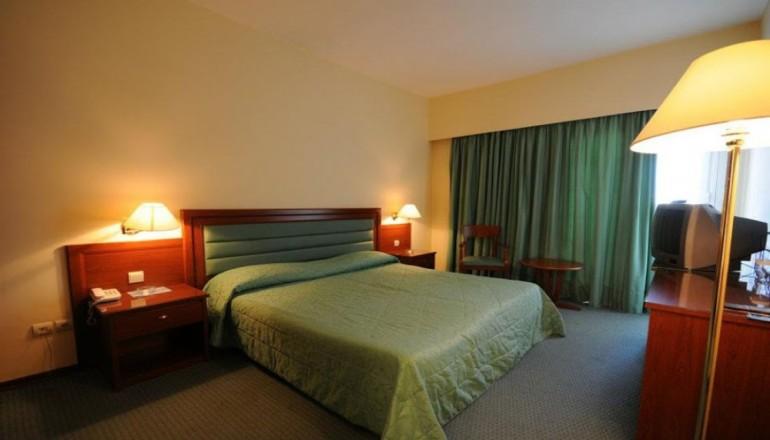Paliria Hotel - Χαλκίδα - 45€ από 90€ (Έκπτωση 50%) ΚΑΙ για τις 2 ημέρες / 1 διανυκτέρευση ΚΑΙ για τα 2 Άτομα σε δίκλινο δωμάτιο ΚΑΙ Πλούσιο Πρωινό στο Paliria Hotel στην Χαλκίδα! Για ένα Παιδί έως 7 ετών η διαμονή είναι δωρεάν! Παρέχεται Late check out στις 18:00! Απολαύστε 2 ημέρες στο κέντρο της Χαλκίδας! Υπάρχει δυνατότητα επιπλέον διανυκτερεύσεων!