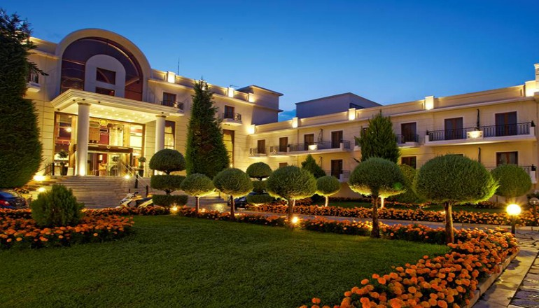 http://go.linkwi.se/z/177-0/CD1180/?lnkurl=http%3A%2F%2Fwww.ekdromi.gr%2Ffrontend%2Fdeals%2Fview%2F2255%2F5-Epirus-Palace-Hotel