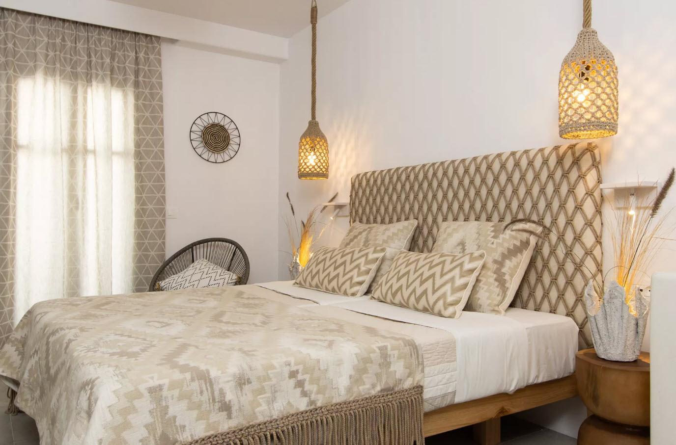 Villa Flora Hotel- Νάξος ✦ 2 Ημέρες (1 Διανυκτέρευση) ✦ 2 άτομα ✦ Πρωινό ✦ 01/09/2021 έως 30/09/2021 ✦ Κοντά σε παραλία!